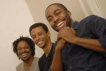 Namíbia, não! Peça de Lazaro Ramos até 10/07 no Teatro Vila Velha