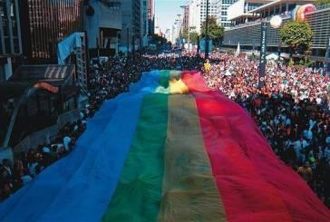 15ª Parada do Orgulho Gay de São Paulo reúne 4 milhões de pessoas