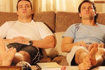 Trama de casal gay em 'Insensato' sofre corte; autor se esquiva