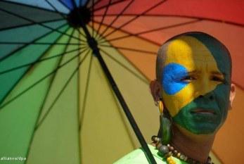 Brasil tem maior parada gay, mas lidera em violência contra homossexuais