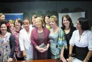 Michelle Bachelet fala sobre 'mulheres na política' com parlamentares da bancada feminina