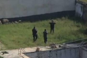 PMs atiram contra bandido que já estava imobilizado após sequestro-relâmpago na Barra