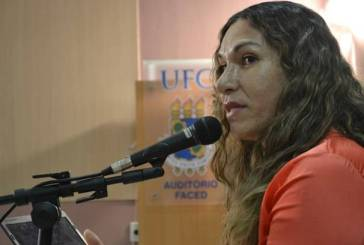 Ceará forma primeira travesti doutora do Brasil