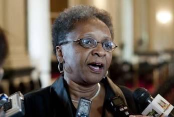 Luiza Bairros diz que evangélicos querem acabar com religiões africanas