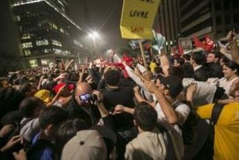 Grupos de periferia se articulam em São Paulo para defender democracia e Dilma