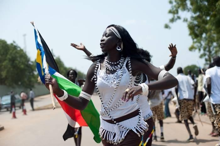 sudao-mulher-bandeira-reuters