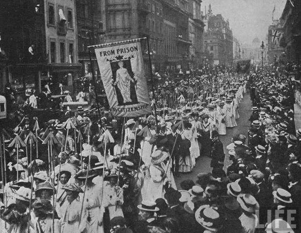 Suffragette_demonstration_1910-620x480