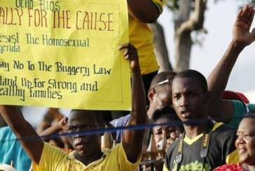 Ato na Jamaica para manter lei que proíbe relação homossexual reúne 25 mil pessoas