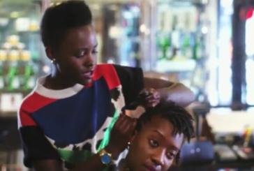 Lupita Nyong'o mostra seu talento para trança em novo vídeo da Vogue (assista aqui)