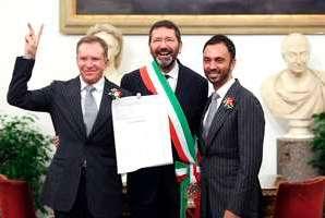 Prefeito de Roma aprova casamentos gays e enfurece Igreja