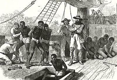 Em sujos porões de barcos mercantes que os seres humanos eram transportados.