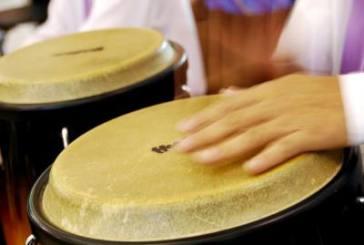 Evento gratuito em São Paulo ensina dança e percussão para pais e filhos