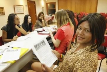 Transcidadania: Coletivo prepara travestis e transexuais para o Enem