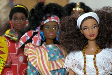 Uma boneca com cabelo igual ao meu