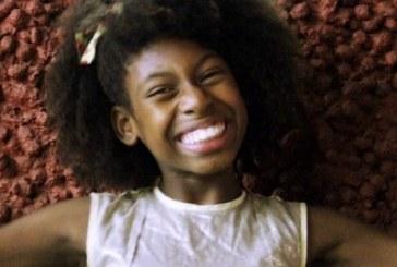 """Mc Soffia, 11 anos: """"Aceitem seu cabelo, sua cor"""""""