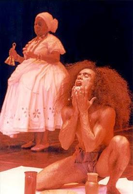 Corte de Oxalá – Exu. (Foto Phillip Martin / Divulgação site institucional Balé Folclórico da Bahia)