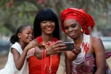 Africanos postam imagens positivas sobre o continente Para combater o estereótipo mostrado pela mídia