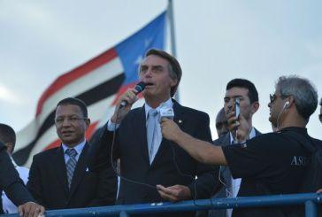 Bolsonaro é declarado 'persona non grata' em sua cidade natal