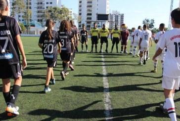 Time de meninas passa por grandes de São Paulo e é campeão de torneio masculino