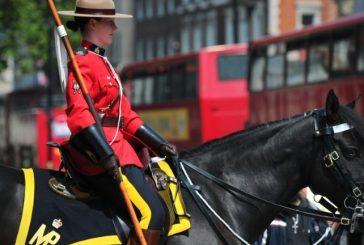 Canadá autoriza uso do véu islâmico para mulheres policiais