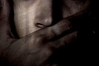 TW*: Estupro Masculino