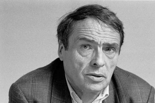 Le sociologue Pierre Bourdieu au Collège de France. The sociologist Pierre Bourdieu at the College de France. El sociologo Pierre Bourdieu en el College de France. Paris. Fin des années 1990. Photo: Leonardo Antoniadis.