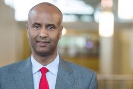 Refugiado da Somália que chegou ao Canadá na década de 90 é eleito Ministro da Imigração