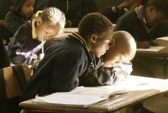 ONU lança projeto contra o machismo para o volta às aulas