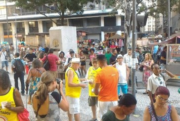Mulheres que faziam campanha contra preconceito são agredidas em blocos do Rio