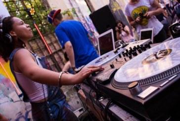 """""""Todas Podem Mixar"""": DJ Miria cria projeto para ensinar mulheres a arte da mixagem"""