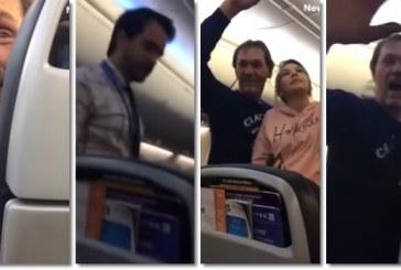 Homem é retirado de avião após comentários racistas e passageiros comemoram