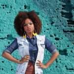 Prestes a criar canal para meninas negras, Jeniffer Nascimento conta que já fez loucuras para mudar o cabelo