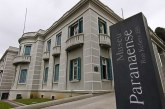 Casal sofre homofobia de segurança do Museu Paranaense e são colocadas para fora
