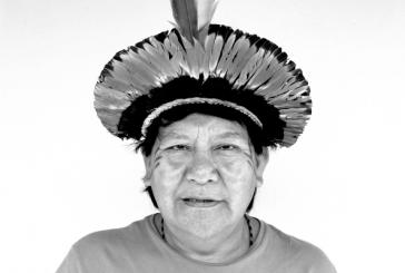 Entre sua comunidade e o ativismo internacional, Davi Kopenawa, xamã e militante, é uma das mais importantes lideranças indígenas do país