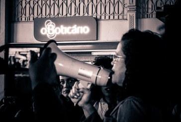 Mulheres protestam contra atitude racista de O Boticário em Curitiba