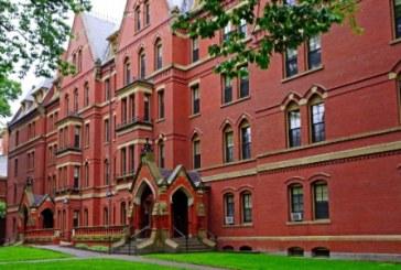 Harvard cancelou a aprovação de pelo menos 10 alunos após postagens obscenas e racistas