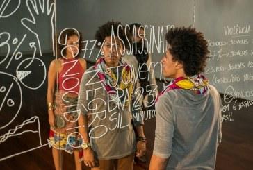 "Peça ""Contos Negreiros do Brasil"" denuncia racismo no país"