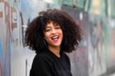 Para sorrir: busca por cabelo cacheado supera o de liso
