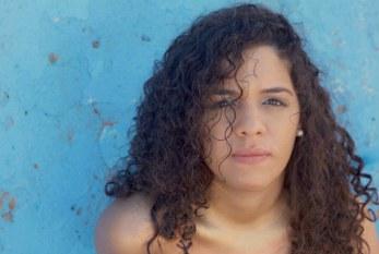 """Talita Avelino retrata a coragem da mulher negra em """"Rio Vermelho"""