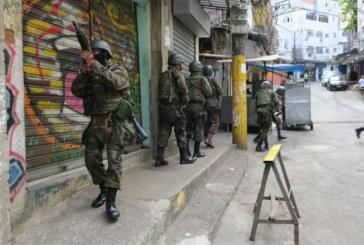 Moradores da Rocinha denunciam invasões, abusos, agressões e roubos de militares