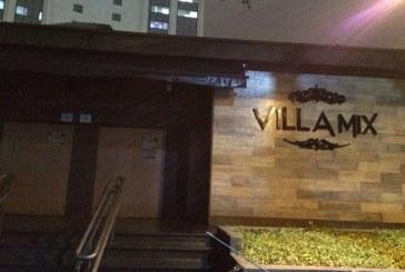 Justiça condena Villa Mix a pagar indenização a ex-funcionária por ter de restringir entrada de negros