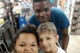 Casal negro é acusado de sequestro por estar com criança branca. Vídeo