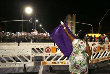 Mulheres debatem alternativas para a crise política no livro