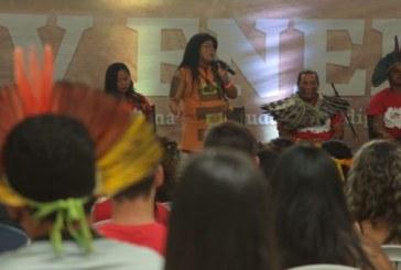 Jovens indígenas incluem pauta LGBT no debate