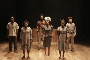 'O Jornal' peça dirigida por Lázaro Ramos e Kiko Mascarenhas debate preconceito e afeto