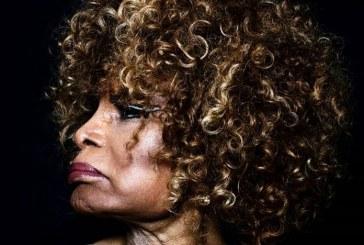 Elza Soares lança primeiro single do novo álbum 'Deus é Mulher'