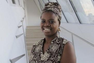 'Negro não tem que falar só sobre raça', defende professora