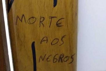 Banheiro da Unisc é pichado com frases racistas pela segunda vez