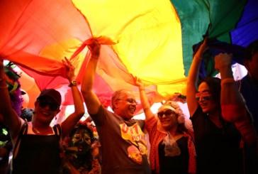 Violência e invisibilidade marcam realidade de lésbicas no Brasil
