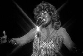 Como Aretha Franklin transformou uma música sexista em hino feminista